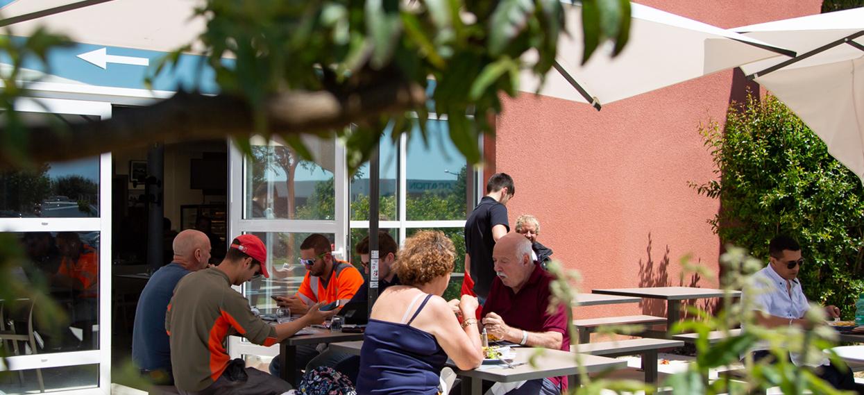 truck-etape-beziers-restaurant-terrasse2